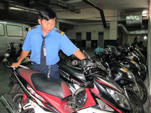 bảo vệ xe máy an toàn